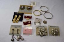 (6) Various costume earrings, (3) rings, various fashion clips