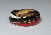 Bague trois anneaux. (doigt: 53, poids brut: env. 11.1 g).