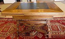 Table Vieux Suisse, XVIIIe s. (haut. 78 cm, larg.