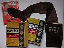 The Beatles - Paires de bas.     (24 x 19 cm)  Lot de deux paires de bas The Beatles (UK