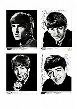 Ensemble de quatre photographies promotionnelles signées par les Beatles,     encre sur papi