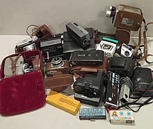 Lot d'appareils photographiques.
