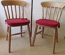 Paire de chaises, XXe s.
