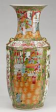 19th c. Chinese rose medallion porcelain vase
