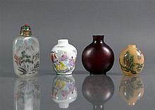 4 div. Snuff-Bottles (China)