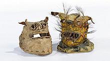 Suite de deux  masques mexicains    Pneus