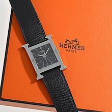 Hermès, Heure H, montre rectangulaire à quartz cadran guilloché noir, chiff