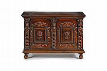 Buffet de style Renaissance à deux vantaux XIXe s. Décor de termes figurant