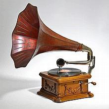 Grammophone Caruso circa 1900 chêne, métal et tôle laquée