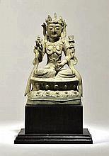 Guanyin  Chine, dynastie Ming (1368-1644), XVIe s.  Bronze patiné