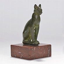 Bastet gravée d'un aeil oudjat  Egypte  bronze à patine verte  h