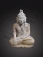 Buddha Maravijaya vêtu de la robe monastique utarasanga, le visage à l'expression sereine, coiffé de la protubérance crânienne ushnisha symbole de sa connaissance. Albâtre à traces de polychromie. Birmanie. Royaume d'Ava. 18 ème siècle. 43cm.