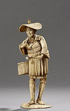 Okimono illustrant un pêcheur chargé de son panier, d'une carpe tenant un maillet à la main, vêtu d'un tablier de rotin  et coiffé d'une feuille. Ivoire. Japon. Période Meiji. Fin 19 ème siècle. Signé.
