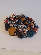 Collier recomposé selon la tradition de perles e pate de verre de venise et métal argenté. Inde. Tribu Banjarat du désert du Thar.