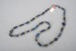Collier recomposé selon la tradition de perles de lapis lazuli et métal argenté. Afghanistan.