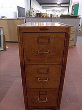 Yawman Oak 3 Drawer Filing Cabinet in Excellent Condition