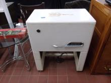 """Vintage Ironrite Linen Ironing Machine. Other known as a """"Mangle"""""""
