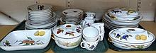 Various Royal Worcester Evesham pattern dinnerwar