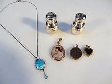 Various jewellery, to include an oval photo frame pendant marked 9ct, 4.5cm high, Art Nouveau pendan