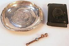 Various jewellery and effects, comprising an Edwa