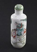 A Chinese famille rose cylindrical snuff bottle, 1830-1900, 7.6cm