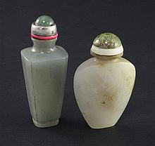 Two Chinese jade snuff bottles, 1800-1900, 6cm