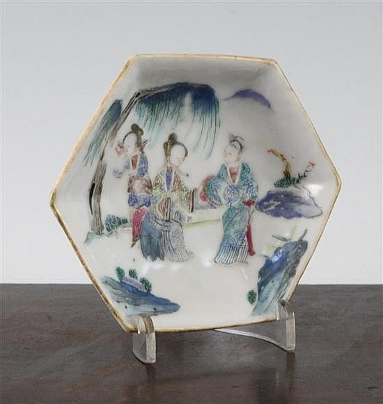 A Chinese famille rose small hexagonal dish