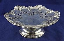 A Georg V pierced silver pedestal fruit dish, 18.5 oz.