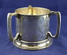 An Edwardian large silver tyg, 18 oz.