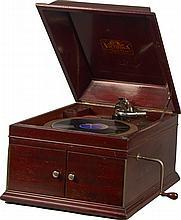 Victrola Style VV-IX Record Player Ser#16179-B -P-NR-