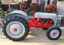 Rare 8 Ford Tractor Fully Restored Inside/Out - Pick Up Only -P-NR-