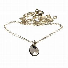 ^Tiffany & Co. Sterling Silver Elsa Peretti Teardrop Pendant Necklace