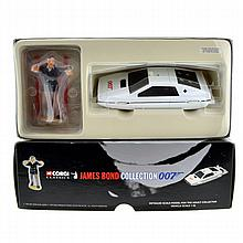 ^Corgi James Bond Lotus With Jaws Figure