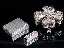 Polvera de plata y lápiz de labios de plata con cabujones rojos 176,8