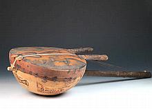 Kora, instrumento de cuerda africano, pps.S.XX 84 cm 80 - 100 €
