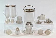 Lote de catorce piezas de cristal y plata, Birmingham, S.XIX. Algunas pieza