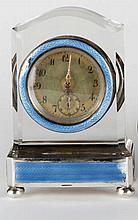 Reloj de esmalte azul guilloché y cristal, pps.S.XX 10 x 4 x 7 cm