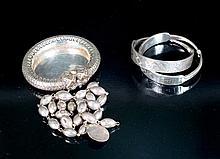 Lote de collar de plata y cenicero de plata en forma de pulsera 131 g