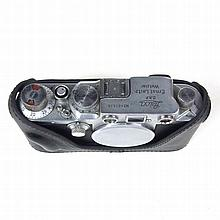 Leica DRP Ernst Leitz Wetzlar camera. Serial No. 401636. Grand Auctions doe