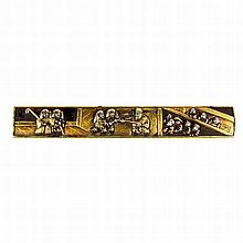 A Japanese kozuka, late 18th/19th century. Decorated in gold, silver and sh
