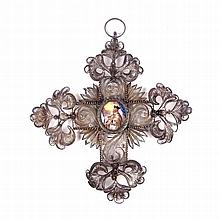 A European silver filigree religious cross, 18th/19th century. Decorated wi