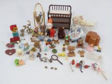 Dollhouse - Child's Toy Room / Nursery Items