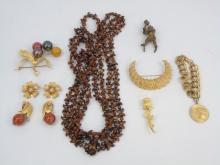 Collection of Vintage Costume Jewelry Items