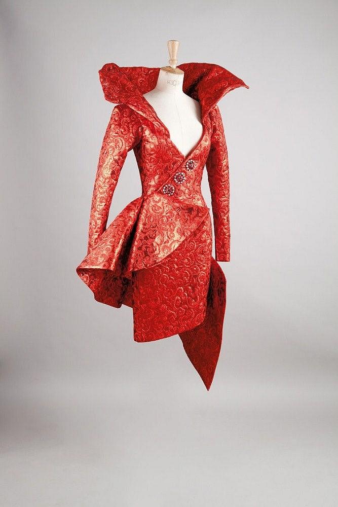 Yves SAINT LAURENT haute couture n° 65759  Hiver 1989