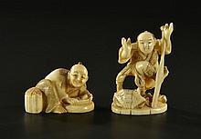 2 netsuke de métiers en ivoire Japon époque Meiji