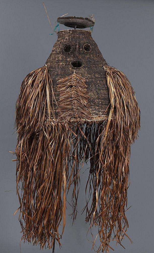 Masque-costume en vannerie Asmat mbanembar,