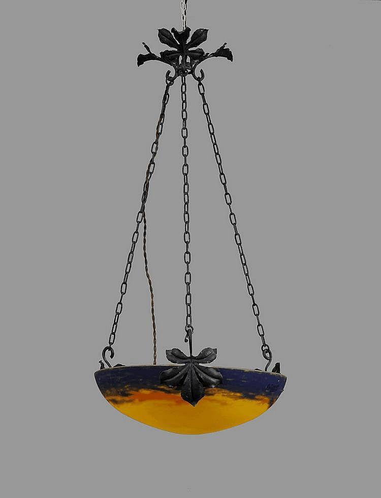 Vasque Art Nouveau en verre jaune ...