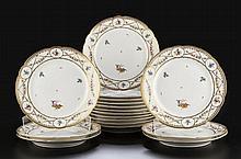 Collection de 17 assiettes en porcelaine ...
