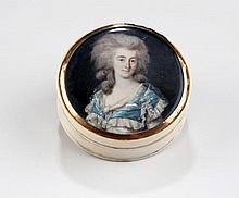Portrait miniature sur ivoire de Madame ...