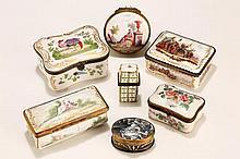 Collection de 5 boîtes en porcelaine   ...